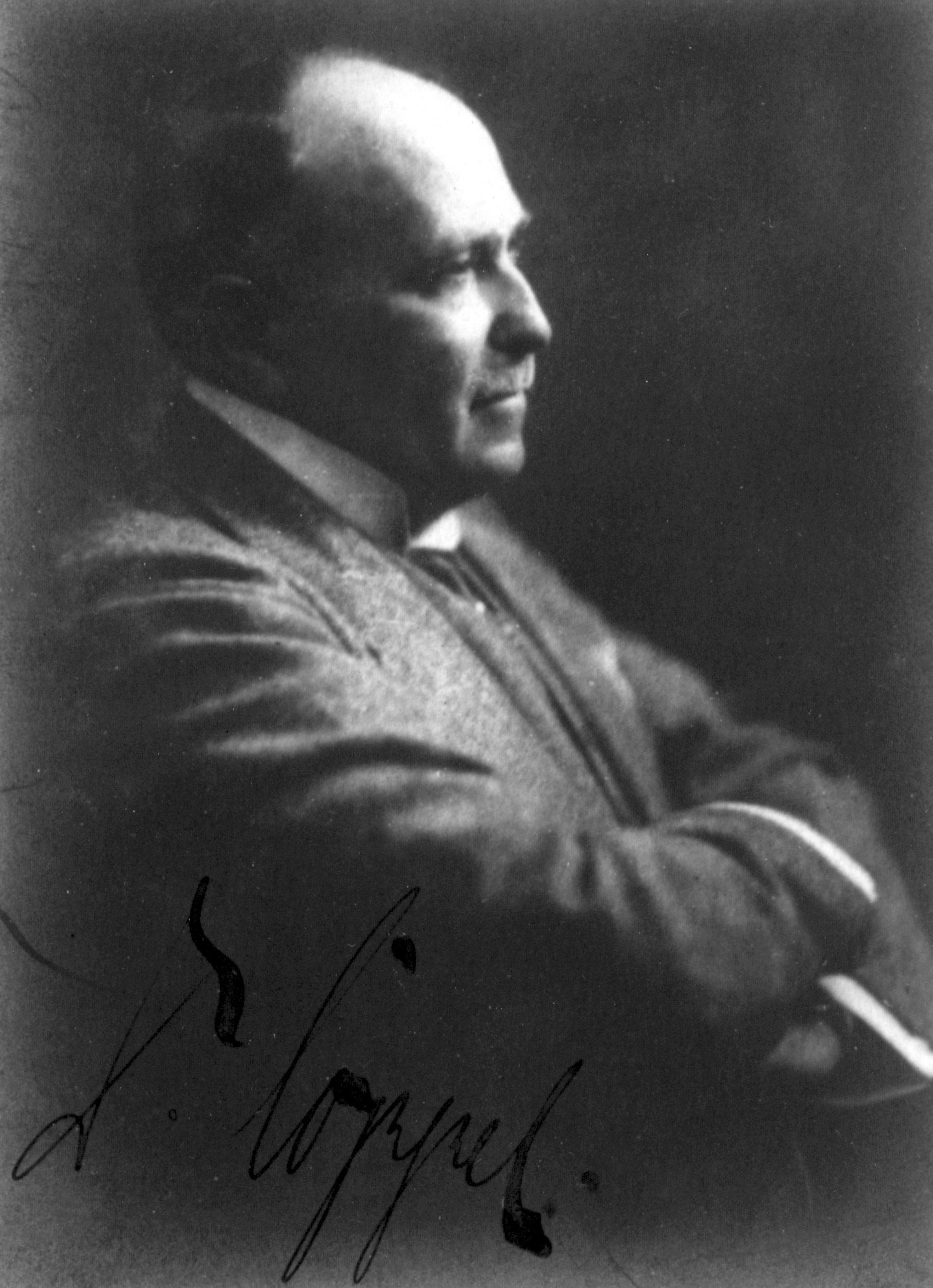 Portrait of MD Alexander Coppel